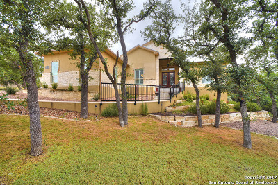 Canyon Lake Single Family Home For Sale: 953 Moonlight Dr