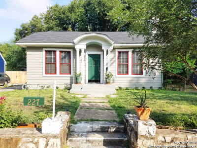 Single Family Home For Sale: 227 Lindell Pl