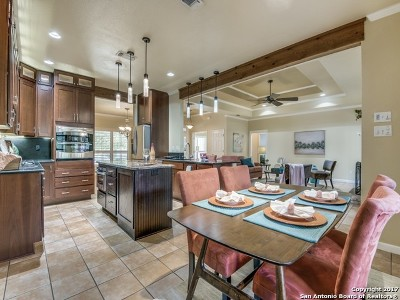 New Braunfels Single Family Home For Sale: 717 Centennial Bnd