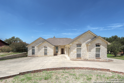 Canyon Lake Single Family Home For Sale: 784 Military Dr