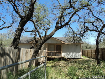 Atascosa County Single Family Home For Sale: 490 Timbercreek Dr