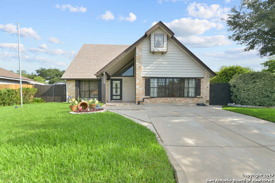 San Antonio Single Family Home For Sale: 11523 Bear Paw Path
