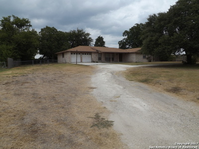 New Braunfels Single Family Home Back on Market: 1480 W Klein Rd