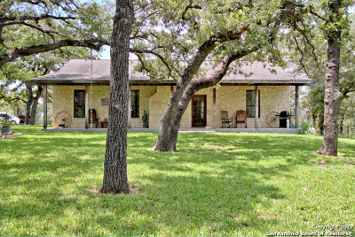 Floresville Single Family Home For Sale: 885 Paddy Rd