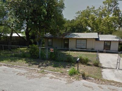 Pleasanton Single Family Home For Sale: 904 San Antonio St
