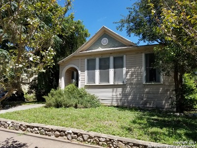 Bexar County Single Family Home New: 215 E Mistletoe Ave