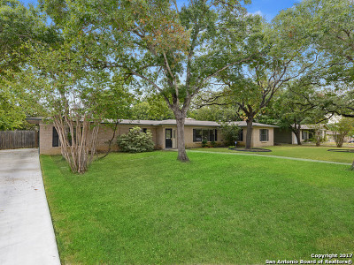 Terrell Hills Single Family Home For Sale: 127 Arvin Dr
