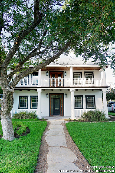 New Braunfels Single Family Home For Sale: 695 Comal Ave