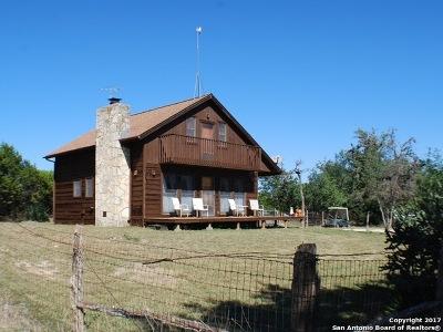 Bandera County Single Family Home For Sale: 3775 Schmidtke Rd
