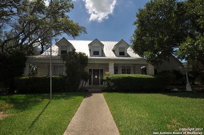 Hollywood Park Single Family Home For Sale: 512 Sagecrest Dr