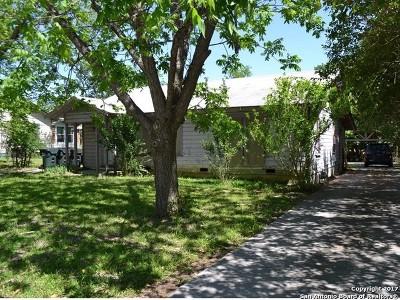 San Marcos Single Family Home For Sale: 1407 W Hopkins St