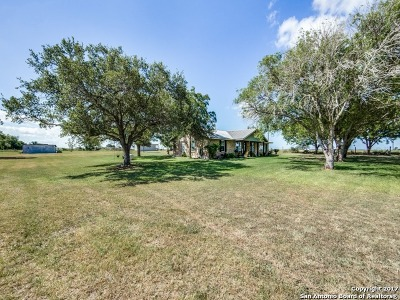Karnes County Single Family Home For Sale: 3215 Fm 791