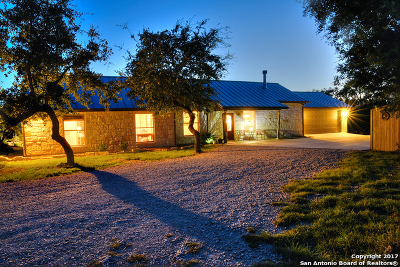 Bandera County Single Family Home For Sale: 112 Mountain Laurel Ln