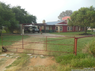 Frio County Single Family Home For Sale: 2530 Bi 35e, Unit 6