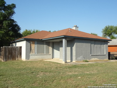 Bexar County, Comal County, Guadalupe County Single Family Home For Sale: 6211 Brownleaf St