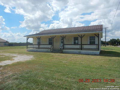 Karnes County Single Family Home Price Change: 100 Nottingham Ln
