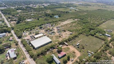 Bexar County Commercial New: 954 E Chavaneaux Rd