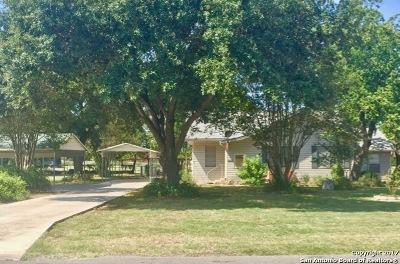 Atascosa County Single Family Home New: 18803 Prairie St