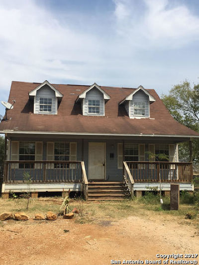 Atascosa County Single Family Home New: 305 Cantrell Ave