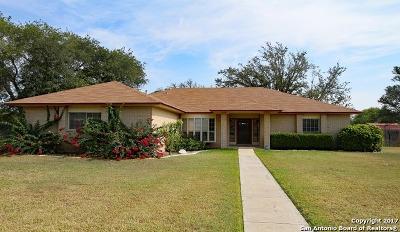 Hondo Single Family Home New: 1314 Acorn Rd
