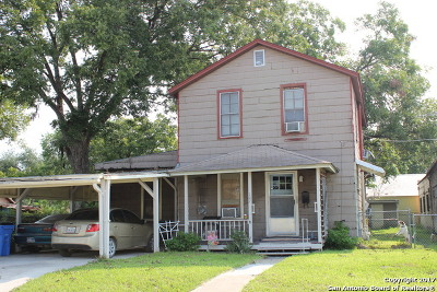 Guadalupe County Single Family Home For Sale: 107 Cherry St