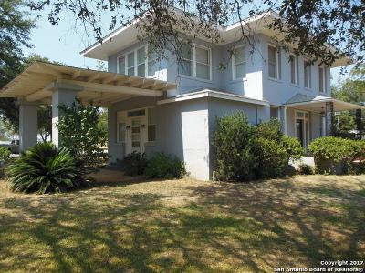 Frio County Single Family Home For Sale: 1701 Bi 35 E