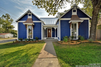 Single Family Home For Sale: 830 Pine St