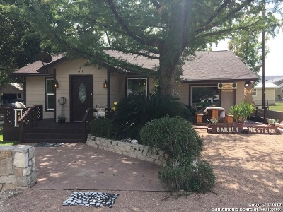 Bandera County Single Family Home For Sale: 611 11th St