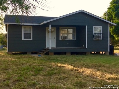 Frio County Single Family Home For Sale: 419 Cherry