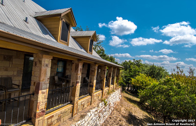 Bandera County Single Family Home For Sale: 268 Lakepark Dr.