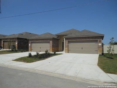 New Braunfels TX Rental For Rent: $1,350