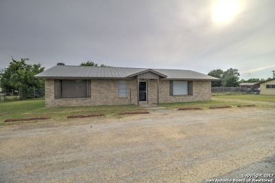 Frio County Single Family Home For Sale: 105 Fm 462
