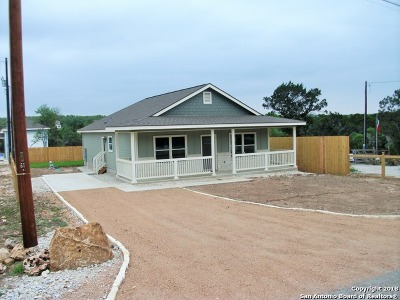 Canyon Lake Single Family Home For Sale: 1609 Mountain View Dr