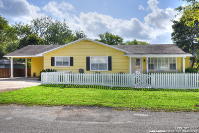 Bandera Single Family Home For Sale: 802 Hackberry