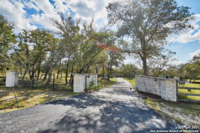 Floresville Single Family Home Price Change: 119 Turalura Ln