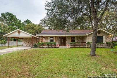 La Vernia Single Family Home For Sale: 307 Bear Ridge Dr