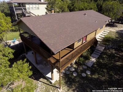 Canyon Lake Single Family Home For Sale: 304 Highland Hts