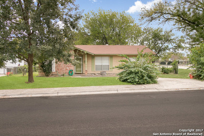 Guadalupe County Single Family Home Back on Market: 1321 Oak St