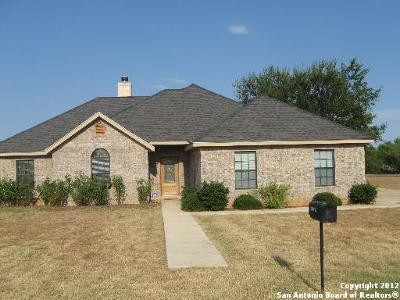 Frio County Single Family Home For Sale: 290 County Road 1643