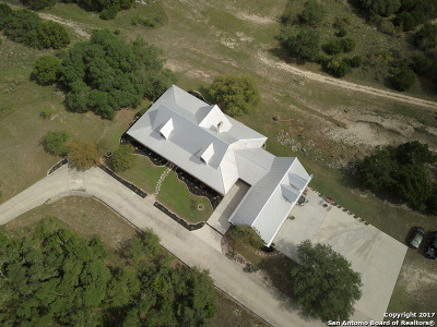 New Braunfels Single Family Home For Sale: 530 Homestead Rdg