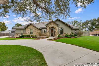 Atascosa County Single Family Home For Sale: 1601 Clover Rdg