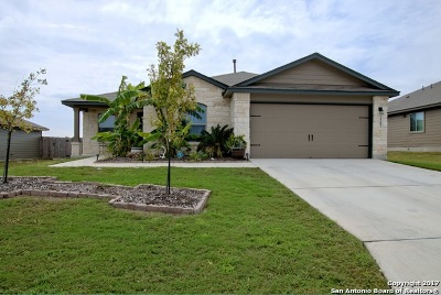 New Braunfels Single Family Home Active RFR: 2502 Lonesome Creek Trl