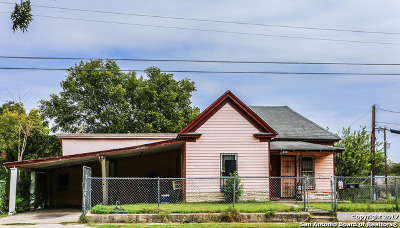 Bexar County Multi Family Home New: 828-830 South Walters