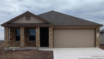 Single Family Home New: 910 Pumpkin Ridge