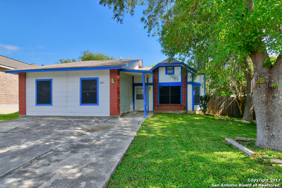 San Antonio Single Family Home New: 10011 Sugarloaf Dr
