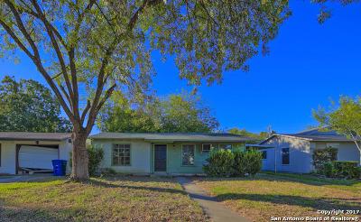San Antonio Single Family Home New: 246 E Hutchins Pl