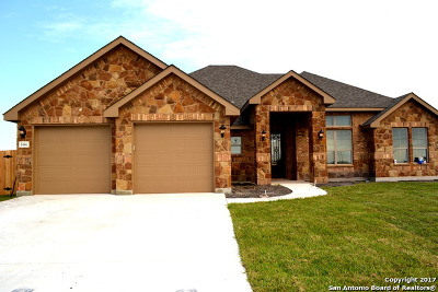 Guadalupe County Single Family Home New: 1446 Prairie Pass