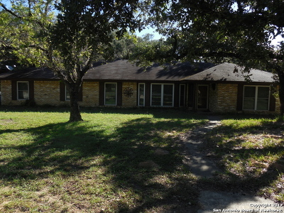 Atascosa County Single Family Home New: 23 Sunrise Dr