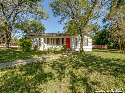 La Vernia Single Family Home For Sale: 313 Seguin