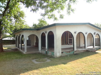 Bexar County Single Family Home New: 1542 Rada